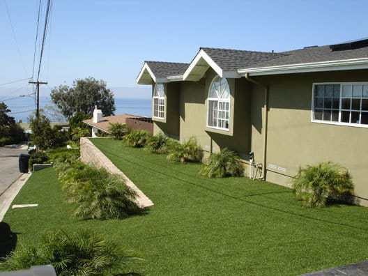 artificial turf lawn installation